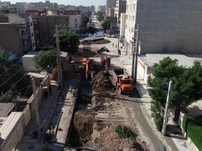 گزارش تصویری اجراى عملیات اصلاح نقاط ریزشى خطوط ١٠٠٠ و ٨٠٠ میلیمترى فاضلاب خیابان هاى دانیال و شیخ نبهان کوى ملت